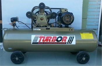 Máy nén khí piston 5.5 HP Turbor V-0.48/8