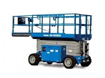 Xe nâng người cắt kéo Genie GS-4069 DC
