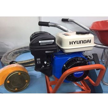 Máy đầm dùi chạy xăng Hyundai (5.5HP)